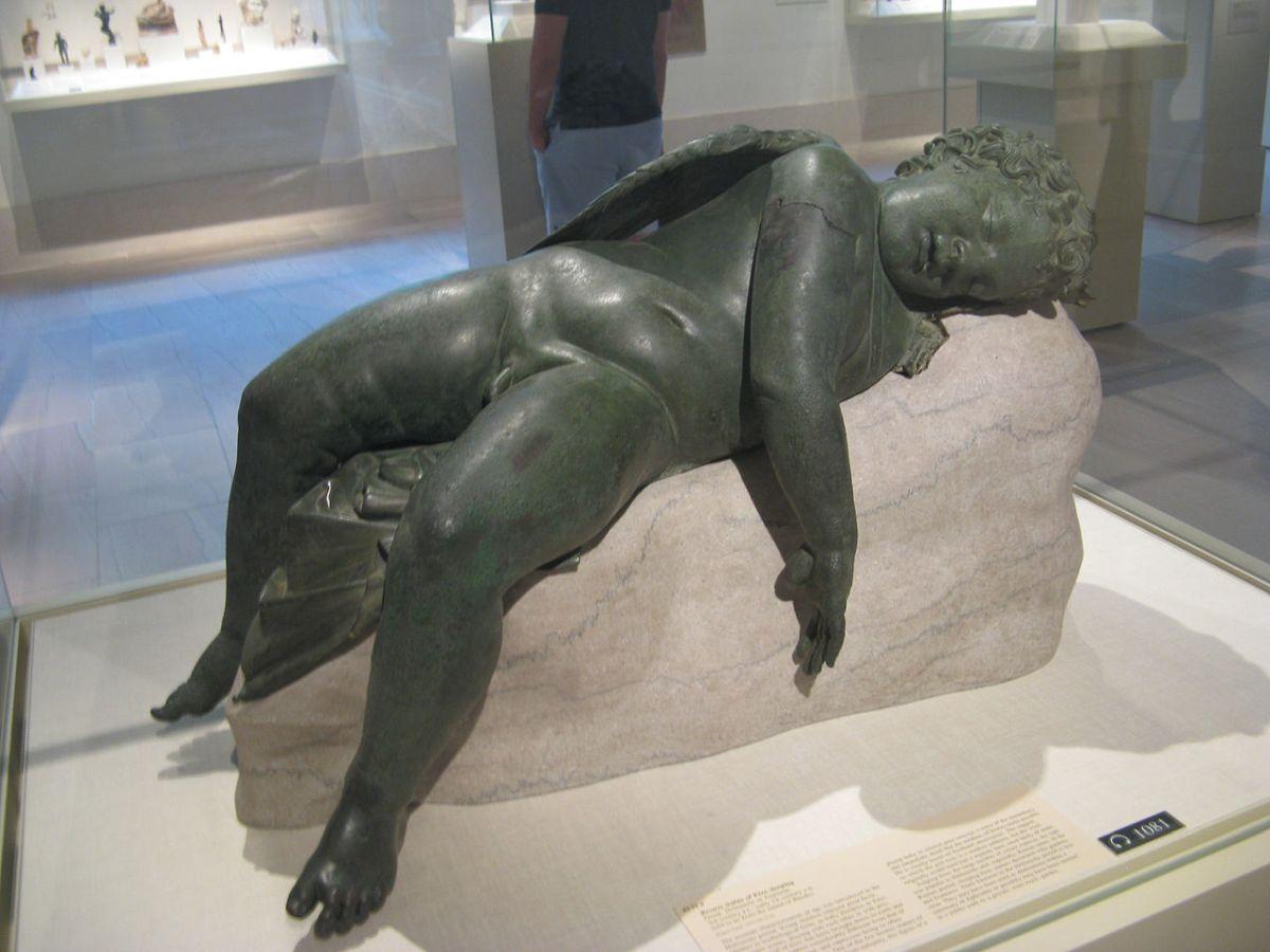 Śpiący Eros to jedna z wielu rzeźb, które padły łupem Werresa