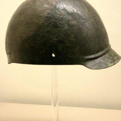 Roman helmet type coolus