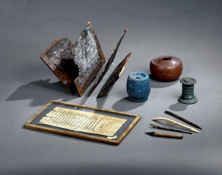 Roman writing instruments