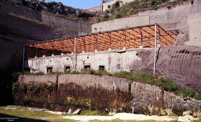 Ruiny Willi Papirusów z roku 2000