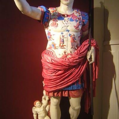 Pokolorowana rzeźba Augusta z Prima Porta