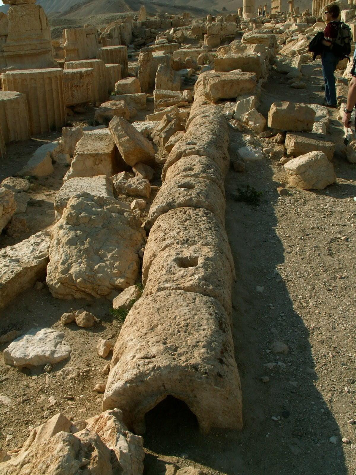 Rzymska rura odpływowa w Palmyrze