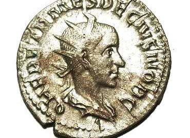Moneta Herenniusza Decjusza