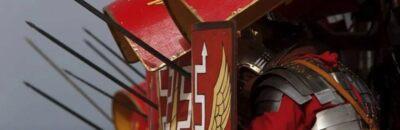 Did Roman legionaries wear red tunics?