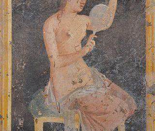 Fresk z Willi Arianna (Stabie), ukazujący Rzymiankę korygującą fryzurę. Malowidło datowane na I wiek n.e.