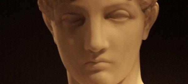 Grecka rzeźba kobiety