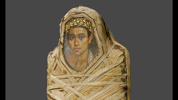 Portret fajumski zamocowany na twarzy mumii