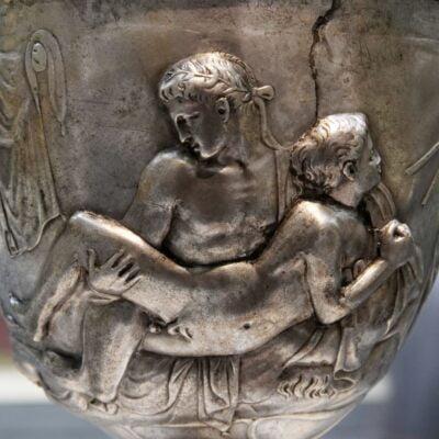 Puchar rzymski ukazujący scenę seksu homoseksualnego