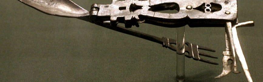 Roman pocket knife
