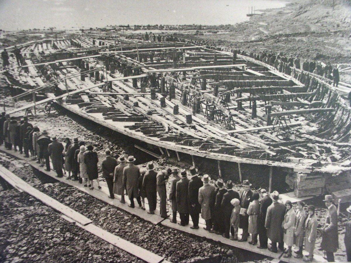 Statki Kaliguli z jeziora Nemi,