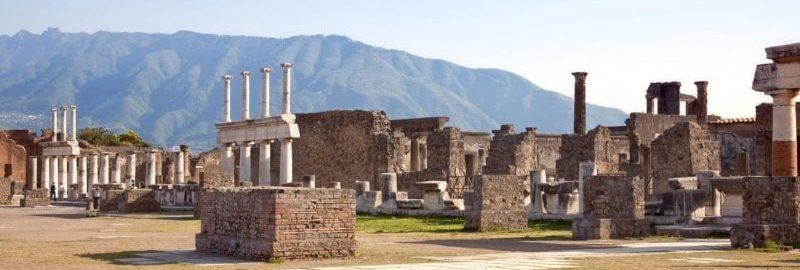 Złodzieje zwracają skradzione zabytki z Pompejów