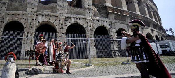 Legioniści pod Koloseum