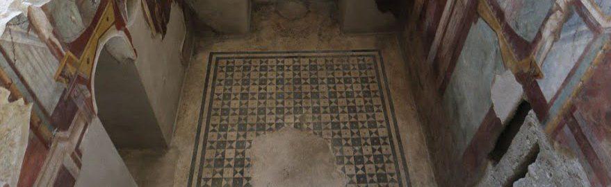 Odrestaurowany budynek w Pompejach
