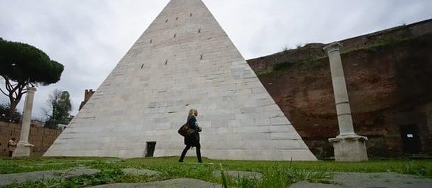 Piramida Cestiusza
