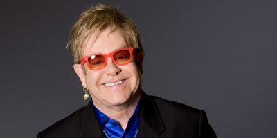 Elton John w Pompejach