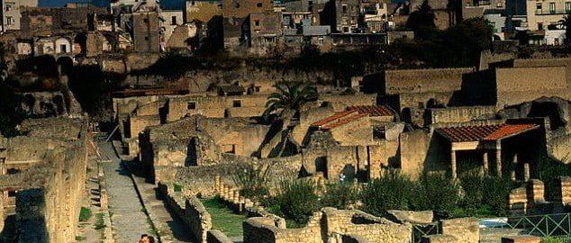 Naukowcy namawiają władze do kolejnych wykopalisk pod Wezuwiuszem