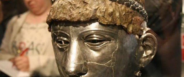 Tracko-rzymski hełm z maską