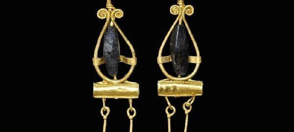 Roman pendants
