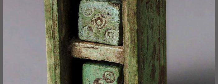 Antique dice holder