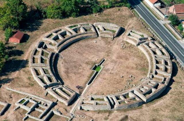 Amfiteatr w Ulpia Traiana Sarmizegetusa
