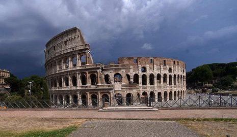 Śmiałkowie wspinali się po Koloseum