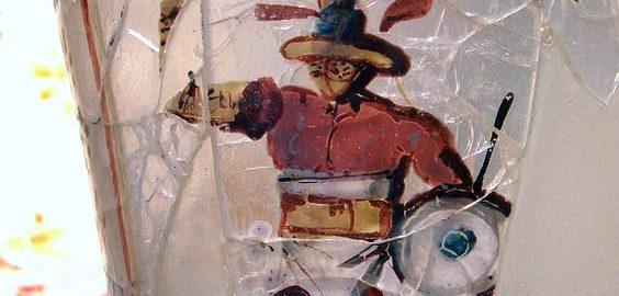 Rzymski kielich z wizerunkiem gladiatora