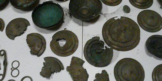 Polski poszukiwacz skarbów miał w domu rzymskie fibule
