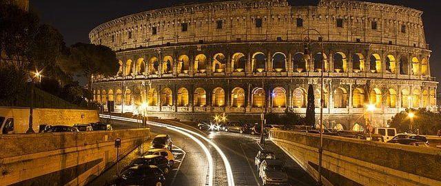 Dwaj turyści, którzy wdarli się nocą do Koloseum są ranni