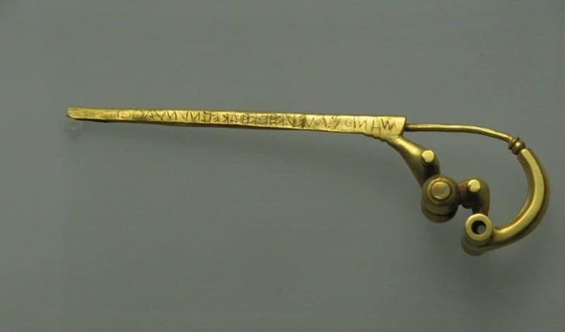 Roman fibula from 7th century BCE