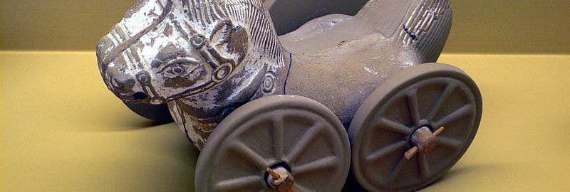 Terakotowa rzymska zabawka - koń na kołach