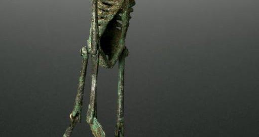 Wykonany z brązu rzymski szkielet
