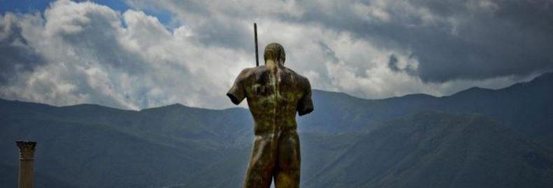 Rzeźby Igora Mitoraja w Pompejach