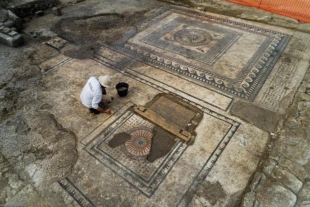 Niejasne losy rzymskiej mozaiki z Uzès
