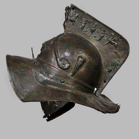 Hełm rzymski znaleziony w Pompejach