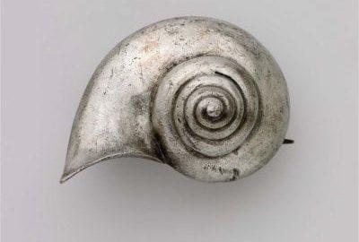 Roman snail shell-shaped fibula
