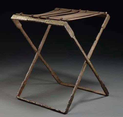 Rzymski składany stołek