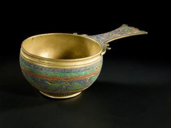 Rzymskie zdobione naczynie wykonane z brązu i ołowiu