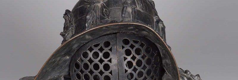 Reconstruction of the murmillo gladiator's helmet