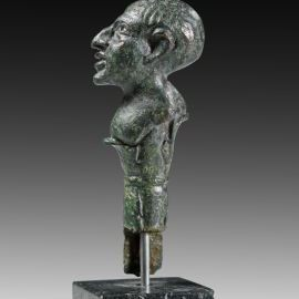 Roman knife holder in the shape of a man's bust