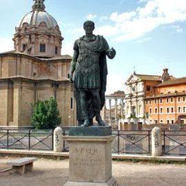 Pomnik Juliusza Cezara w Rzymie