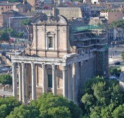 Świątynia Faustyny i Antoninusa