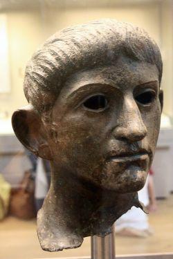 Głowa Klaudiusza wykonana z brązu