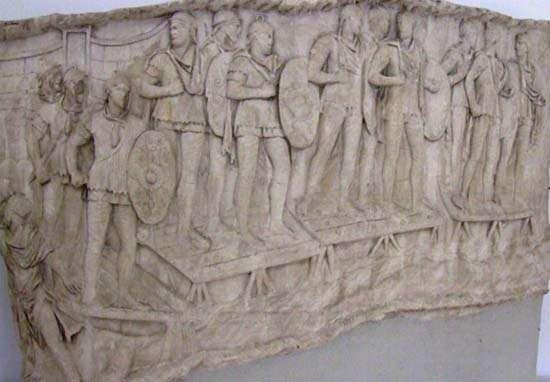 Rzymskie oddziały pomocnicze przekraczają rzekę