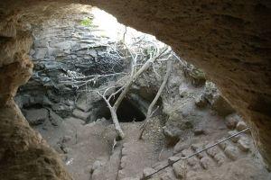 Wejście do jaskini wykorzystywanej przez żydowskich powstańców