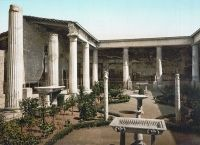 Peristyle with the reconstructed garden - House of the Vettii