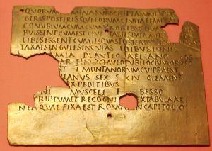 Fragment dyplomu wojskowego (<em>constitutio</em>; wykonywany z brązu) z Carnuntum