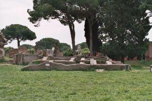 Świątynia bogini Rzymu na Forum w Ostii