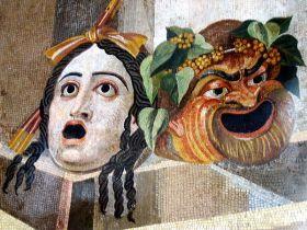 Mozaika z willi Hadriana przedstawiająca teatralne maski tragedii i komedii