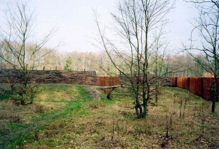 Reconstruction of improvised fortifications prepared by Germanic tribes for the final phase of the battle in the Teutoburg Forest