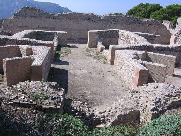 Villa Jovis była jedną z dwunastu willi cesarza Tyberiusza zbudowanych na Capri